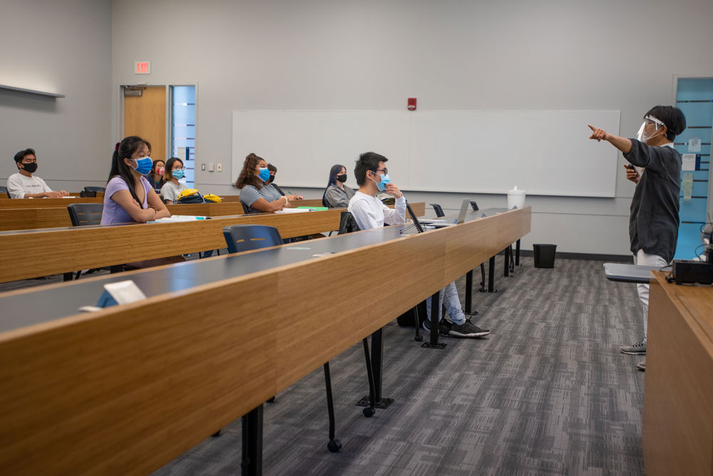 Masked students in an Oak Hall classroom on September 9, 2020.